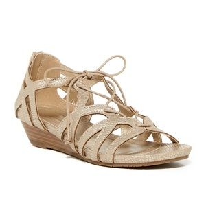 NWT Kenneth Cole Reaction Great Joy Wedge Sandals